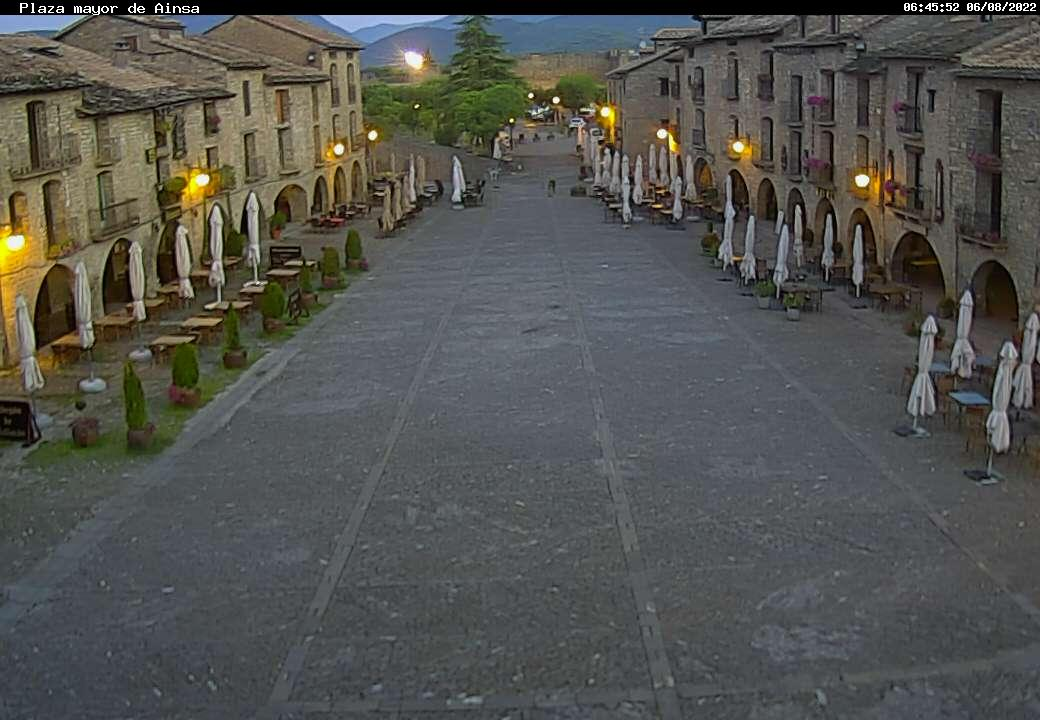 Plaza Mayor Aínsa